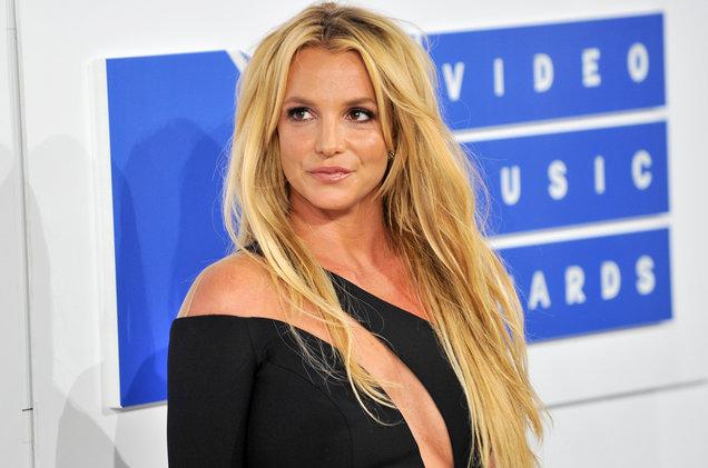 Britney-Spears-mtv-vmas-04-billboard-white-carpet-2016-bb-1548.jpg
